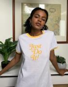 Nike - Just do it - Hvid og gul raglan t-shirt